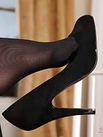 sex womans stocking in nylon