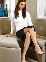 pictures of ladies wearing nylons